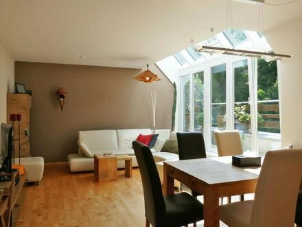 Dachgeschoß-Maisonette mit Terrasse und Garage am Fuße des Wolfersberg