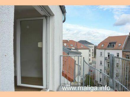 :-) ERSTBEZUG nach Sanierung: DG 2-Raum-Wohnung mit BALKON / Bad mit DUSCHE / Neubau mit Lift **