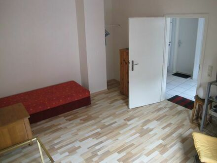 1 Zimmer in 3er WG frei - Mitten in der Durlacher Altstadt