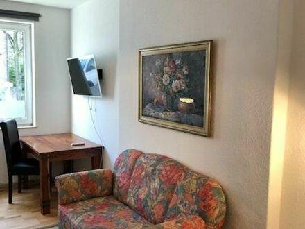 Möbilierte 1,5 Zimmer 900 Euro All Inkl.Strom/Wasser/etc. ZentraL