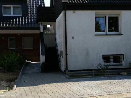 Schöne, kleine Doppelhaushälfte in Oedt