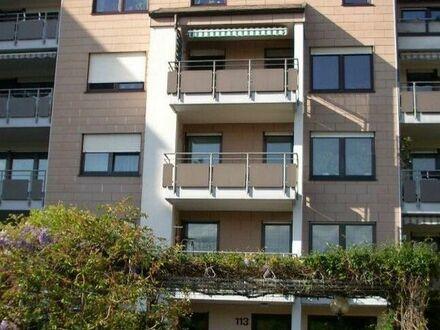 2 Zi-Wohnung, 1.OG, 60 qm, EBK, Balkon, 5 Gehminuten zur S-Bahn, ruhige Lage