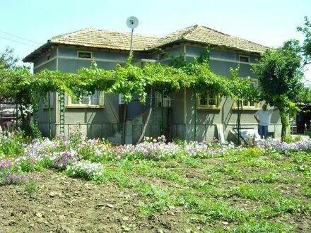 Ruhige Haus in Bulgarien, 16 km von das Meer entfernt