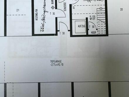 Gepflegte 3,5-Zimmer-Wohnung mit SW-Balkon, EBK, Aufzug + Garagenbox in Holzgerlingen