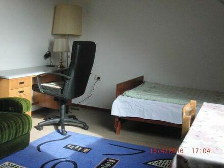 Möblierte 1,5 Zimmer-Wohnung warm