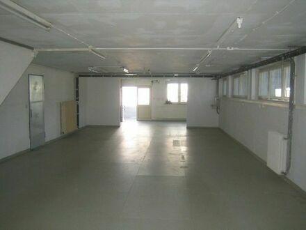 schöne ebenerdige Fläche mit großer Türe 120 qm + weitere Räume