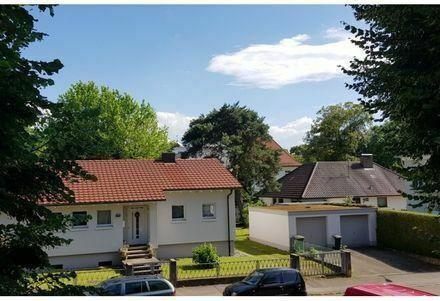 Schöne und moderne Senioren Wohnung mit großem Balkon und Lift.Ideal für Kapitalanleger!