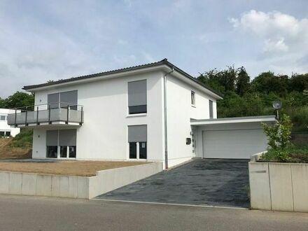 Wunderschöne 3ZKB-Erdgeschosswohnung in ruhige Südhanglage inkl Gartennutzung