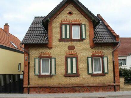 Einfamilienhaus mit Anbau und Baugrundstück