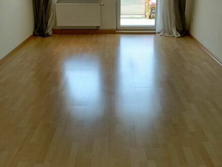 WG geeignet: 4 ZKB-Wohnung, Balkon, Uninähe, ab 01.09. neu zu vermieten