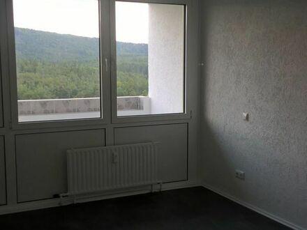 Vollständig renovierte 3-Zimmer-Wohnung mit Balkon und PKW-Stellplatz provisionsfrei