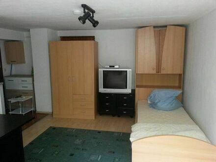 S-Stammheim, 1-Zi Wohnung möbliert, ca. 17 qm, ruhige Lage, sep. Zugang, WLAN