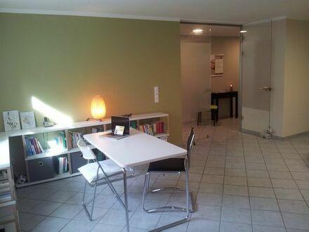 Schönen Praxis-/Büroraum (mit Teeküchen- und Badnutzung) südöstlich von München zu vermieten
