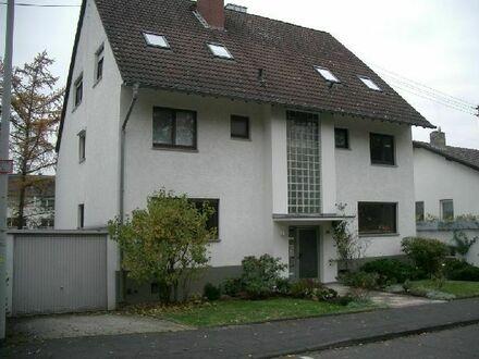 Großzügige 3,5 Zimmerwohnung mit großen Balkon und Kamin
