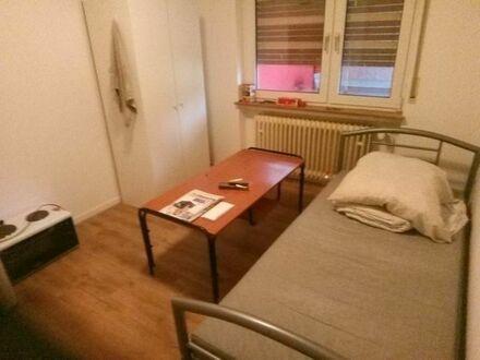 Appartement, Zimmer mit Kochgelegenheit und eigenem Bad.