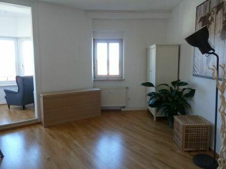 !Wanted: 3 neue Mitbewohner für 3 helle und großzügige Zimmer in Sichtweite des KITs!