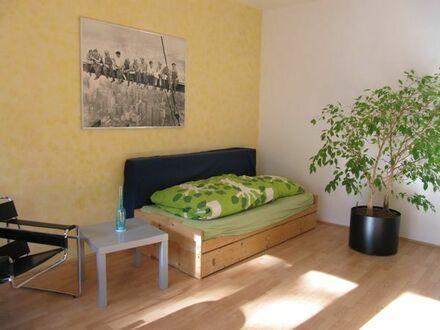 Möbliertes Zimmer in Köln-Neuehrenfeld, ruhige Lage, 24 qm, Süd-Balkon, 6 qm ab 5.3.19 oder später
