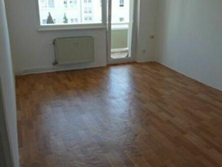 Vermietung 3-Raum-Wohnung mit möbilierter Küche, Mücheln,, Eptinger Rain 98