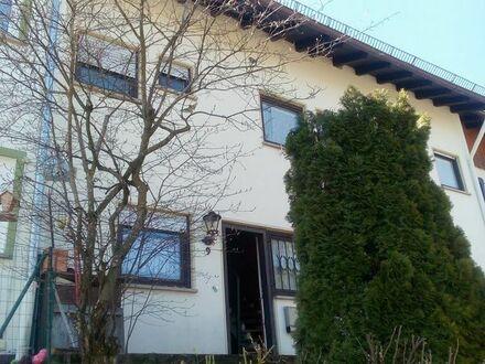 Preiswertes 1 Fam.-Reihenhaus in ruhiger Lage von Schönwald