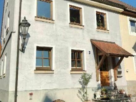 Altstadthaus mit Gärtchen im Herzen der Feuchtwanger Altstadt