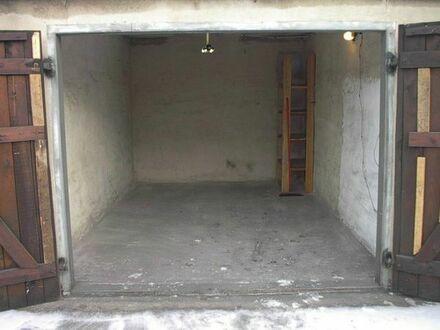 Massive Garage zum Basteln oder Lager, ohne Strom, sicher