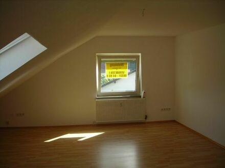 3 Zimmer Dachgeschoß mit Einbauküche