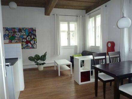 Denkmalschutz und moderne Komplettausstattung! Tolle 2 Zimmerwohnung ab 1.10.18!