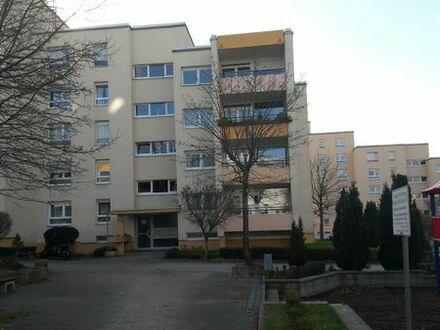 Schöne Wohnung mit Fernblick im Mehrfamilienhaus