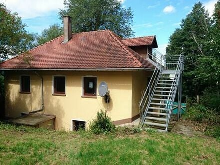 Einfamilienhaus in Alleinlage am Wald
