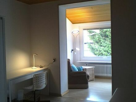 Wunderschöne, großzügige, neu renovierte 3-er WG, Karlsruhe-Rintheim, Top-Lage. 1 großes Zimmer frei