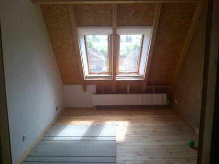 2 möblierte WG Zimmer im DG, KL- Nähe Stadtpark und Bahnhof- frei ab September