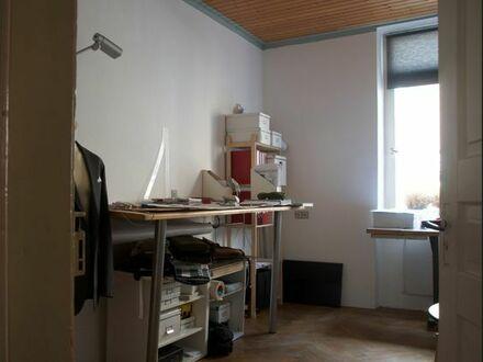 Schönes ruhiges Zimmer in 3er WG oberhalb Staatsgallerie