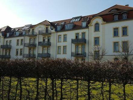 Exklusive 4,5 Zi. DG Maisonette Wo. mit Wintergarten in traumhafter zentraler Lage von privat