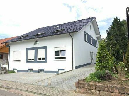 3 Fam. Haus in Speyer - Hanhofen mit Barriere freien Wohnen, Sauna, Garten u. 4 Stellplätzen