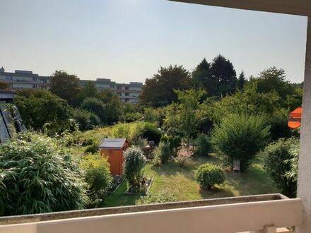 Erstbezug nach Sanierung: freundliche 3-Zimmer-Wohnung mit Balkon
