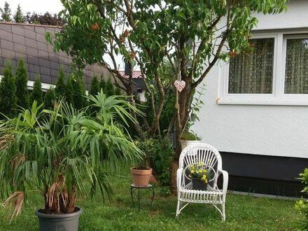 Nette/n Mitbewohner/in für EFH (EG) mit Garten gesucht