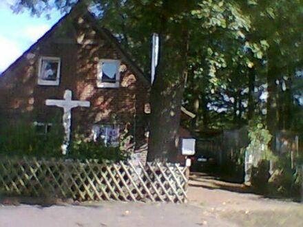 Freistehendes Fachwerkhaus asphaltierte Zufahrt WM 1205 E