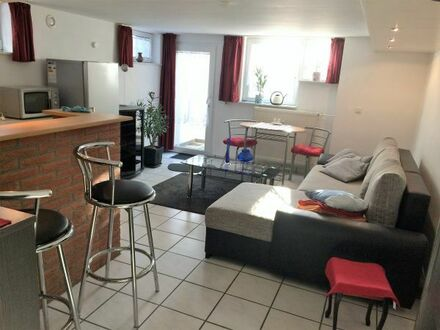 Schöne, helle, möblierte Souterrain Wohnung ca. 35qm, gedämmt, möbliert, & Zusätze