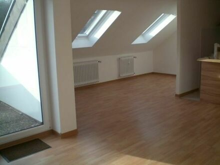 1-Zi-Wohnung, IGB, Dachgeschoss, Garage, provisionsfrei, frei ab 01.08.2019 zu vermieten