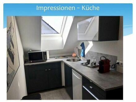 großzügiges Zimmer mit gemeinsamer offener Küche. Für Wochenendheimfahrer ideal.