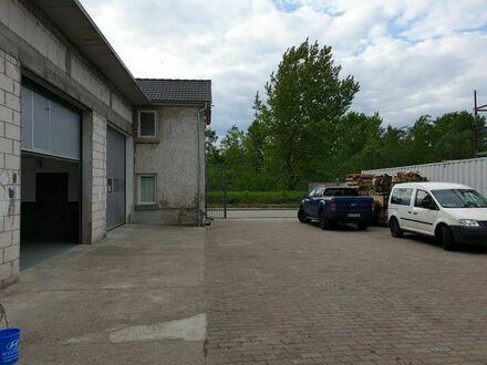 Lager- bzw. Industriehalle im Karlsruher Rheinhafen