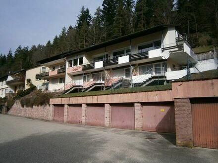 Schönes 8 Familienhaus in traumhafter Südlage, mit ca. 6% Rendite, ideal für Kapitalanleger !
