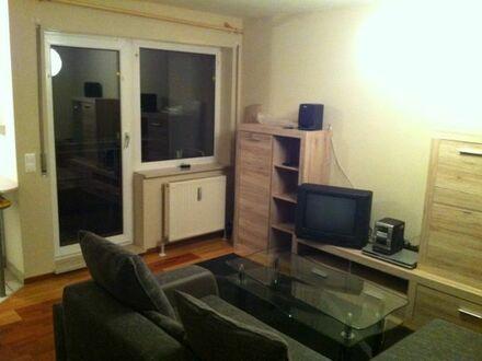 Von Privat , 1 Zimmer Wohnung 32qm mit Balkon, Keller und Tiefgarage