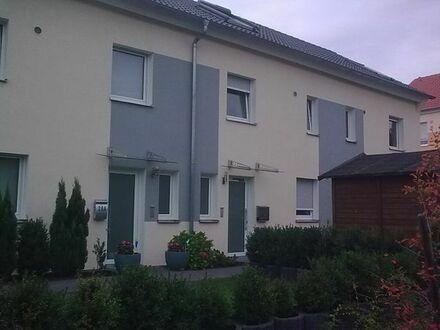 Schönes Nicht-Raucher ReihenHaus 3,5 Zimmer Kaiserslautern Innenstadt, Einbauküche zu vermieten.