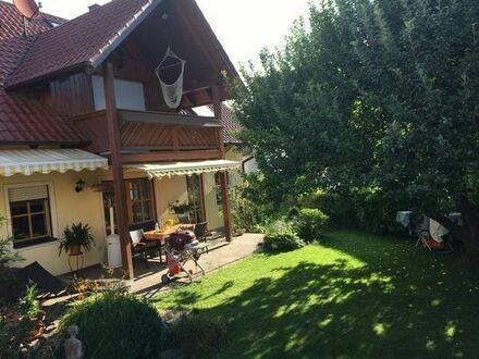Wunderschönes Einfamilienhaus mit großer Doppelgarage provisionsfrei !!! Bitte keine Makleranfragen
