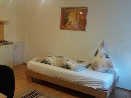 Möbiliertes Zimmer mit Pantryküche/ Bad an Wochendheimfahrer zu vermieten