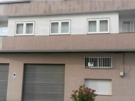 Mehrfamilienhaus sehr gepflegt in Spanien, Galizien