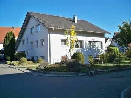 Großes Haus mit Einliegerwohnung in zentraler Lage von Betzingen