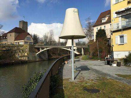 Gaststätte mit Biergarten am Neckarufer