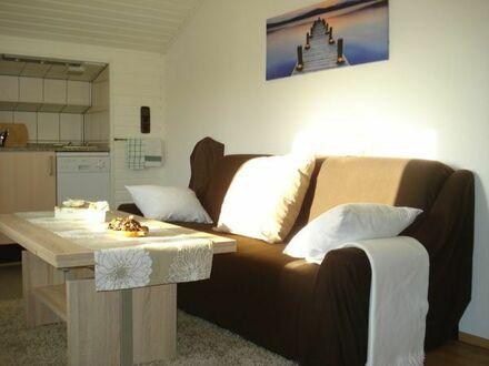 Möbl. Wohnung f. max. 2 Personen (ca. 1000 m zum LAFP)